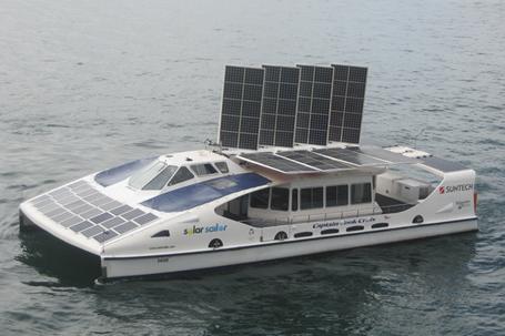 Solar-Sailing_LR.jpg