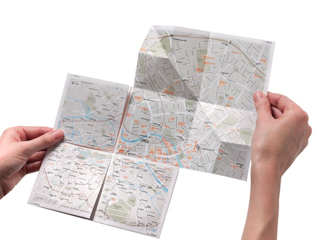 The Zoomable Paper Map